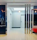украшенный самомоднейший тип комнаты Стоковая Фотография