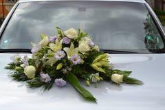 Украшенный Wedding автомобиль Стоковая Фотография RF