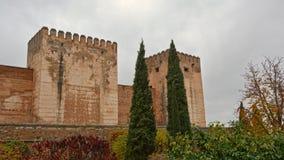 Укрепленные башни, деталь замка moorish Альгамбра, Гранады стоковые изображения rf