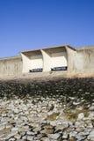 Укрытие на дамбе, остров Canvey, Essex, Англия Стоковое фото RF