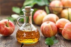 Уксус яблочного сидра Стоковое Изображение