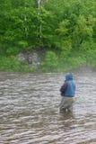улавливает семг реки рыболова Стоковое Фото