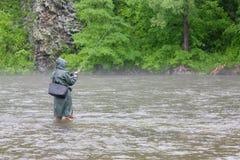 улавливает семг рыболова Стоковое Изображение