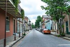 Улица бербон, Новый Орлеан Туристическая достопримечательность старого французского квартала Луизиана, Соединенные Штаты Стоковая Фотография RF