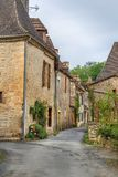 Улица в Свят-Леон-sur-Vezere, Франции стоковые изображения
