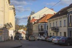 Улица в старом городке Вильнюса Литва стоковые изображения rf
