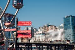 Улица гавани милочки подписывает внутри Сидней Стоковые Изображения