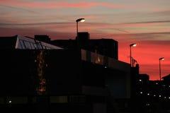 Улица города в свете захода солнца Стоковые Фото
