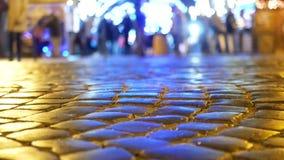 Улица города людей идя сток-видео