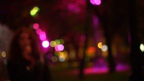 Улица города ночи Bokeh Из фокуса сток-видео