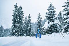 Улица знака цепи снега стоковые изображения