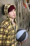 улица игрока grunge brickwall корзины шарика Стоковая Фотография