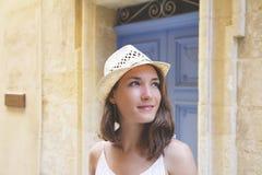 Улица лета портрета молодой женщины Стоковые Фото