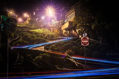Улица ломбарда в Сан-Франциско Калифорнии на ноче Стоковое Фото