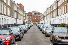 Улица Лондона с грузинскими таунхаусами стоковые фотографии rf