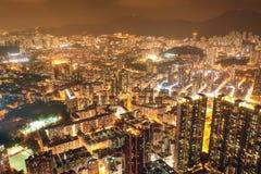 Улица ночи в Kowloon, Гонконге стоковые изображения rf