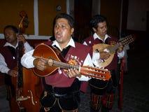 улица певиц callejonadas мексиканская стоковые изображения
