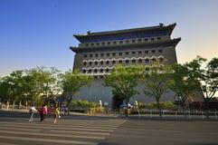 Улица Пекин Qianmen и строб Qianmen башня Стоковые Изображения RF