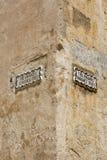 Улица подписывает внутри город Mdina стоковое изображение