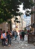 улица старых города, горожан и гостей Стоковые Фотографии RF