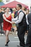 улица танцы пар Стоковые Фотографии RF