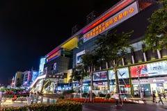 Улица Шэньчжэня Huaqiang северная коммерчески стоковое фото rf