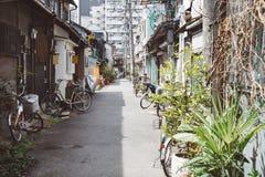 Улица cho Nakazaki в Осака, Японии стоковая фотография rf