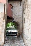 Улица Gordes, Люберон, Провансаль, Франция, комплект кино Стоковые Фотографии RF