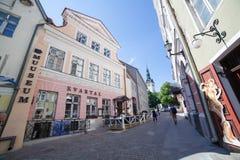 Улица Kuninga в Таллине Стоковое Изображение RF