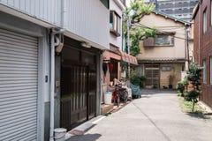 Улица Nakazaki-cho в Осака, Японии стоковое изображение rf