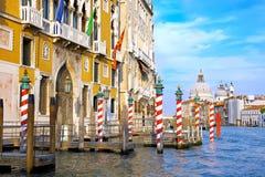 улица venice Италии красивейшего канала грандиозная стоковая фотография rf