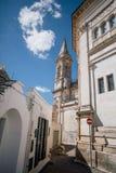 Улицы города Италии Trullo trulli собора церков в Италии Стоковая Фотография RF