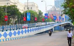 Улицы города с общественным транспортом Kolkata, Индии стоковая фотография