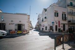 Улицы города trulli Trullo в Италии Стоковые Изображения RF
