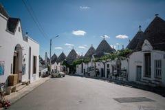 Улицы города trulli Trullo в Италии Стоковая Фотография