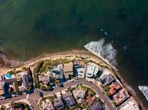 Улицы и дома антенны пляжа Сан-Диего Тихой океан стоковые изображения