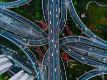 Улицы и пересечения Шанхая сверху стоковые изображения rf