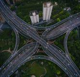 Улицы и пересечения Шанхая стоковое фото rf