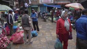 Уличный рынок в Катманду сток-видео