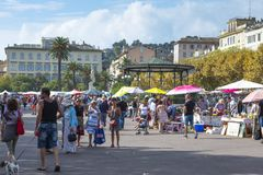 Уличный рынок в Bastia, Корсике, Франции стоковая фотография rf