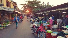 Уличный рынок в Hoi, Вьетнаме стоковая фотография rf