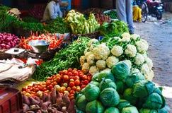Уличный рынок еды vegetable в Индии Стоковые Изображения RF