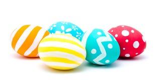 Улучшите красочные handmade пасхальные яйца изолированные на белизне стоковая фотография