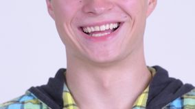 Улыбка счастливого молодого человека видеоматериал