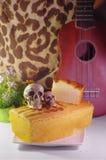 Умаслите торт и часть торта масла и черепа 2 Стоковые Фотографии RF