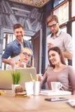 Умелая творческая команда работая в сотрудничестве Стоковое Изображение