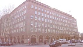 Умирает здание управления газеты Zeit немецкое в Гамбурге акции видеоматериалы