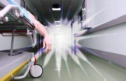 Умирая пациент и белый свет стоковые фото
