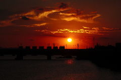 Умирая солнце blood-red Стоковые Изображения