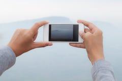 Умная камера телефона фотографируя фото Pha Mo i Daeng в tha стоковое изображение